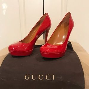 Gucci fire red pumps. Size 38.